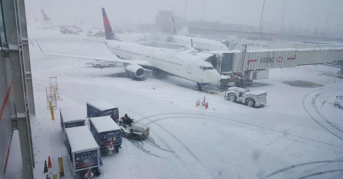 Tempete de neige à l'aéroport JFK