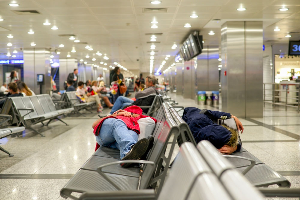Dormir dans un aéroport pendant une escale